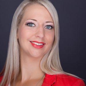 """Elisabeth Klein - Eigentümerin der Freistädter Werbeagentur """"Kreativbiene"""" ist Ihre Ansprechpartnerin für Kommunikation und Marketing."""